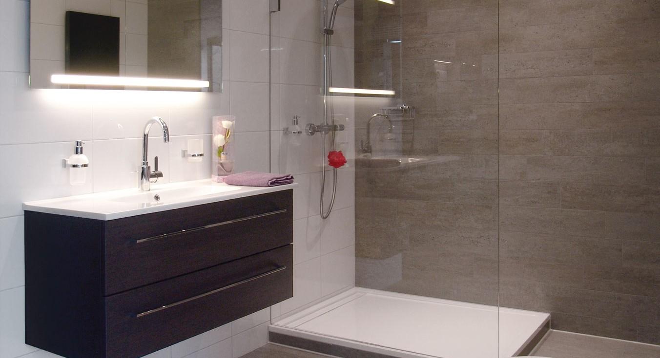 Badkamers welkom bij nesto sanitair for Complete badkamer aanbieding